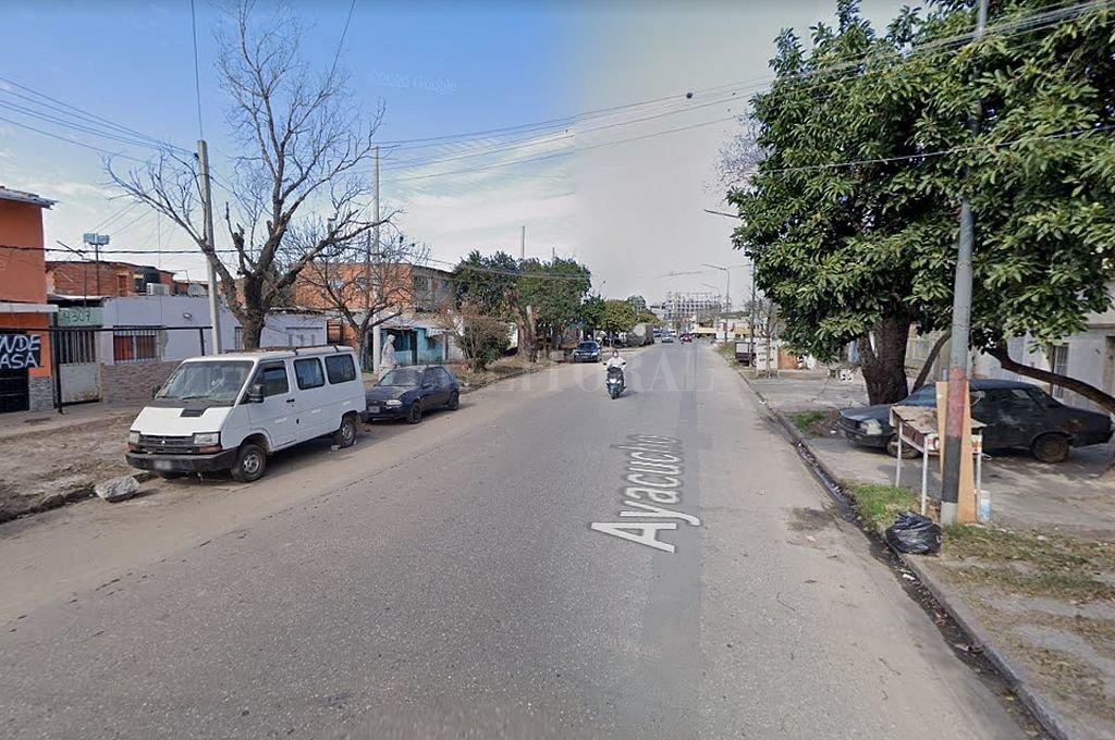 El ataque se produjo en una vivienda de Ayacucho al 4300, en el barrio La Tablada de Rosario. Crédito: Captura digital - Google Maps Street View