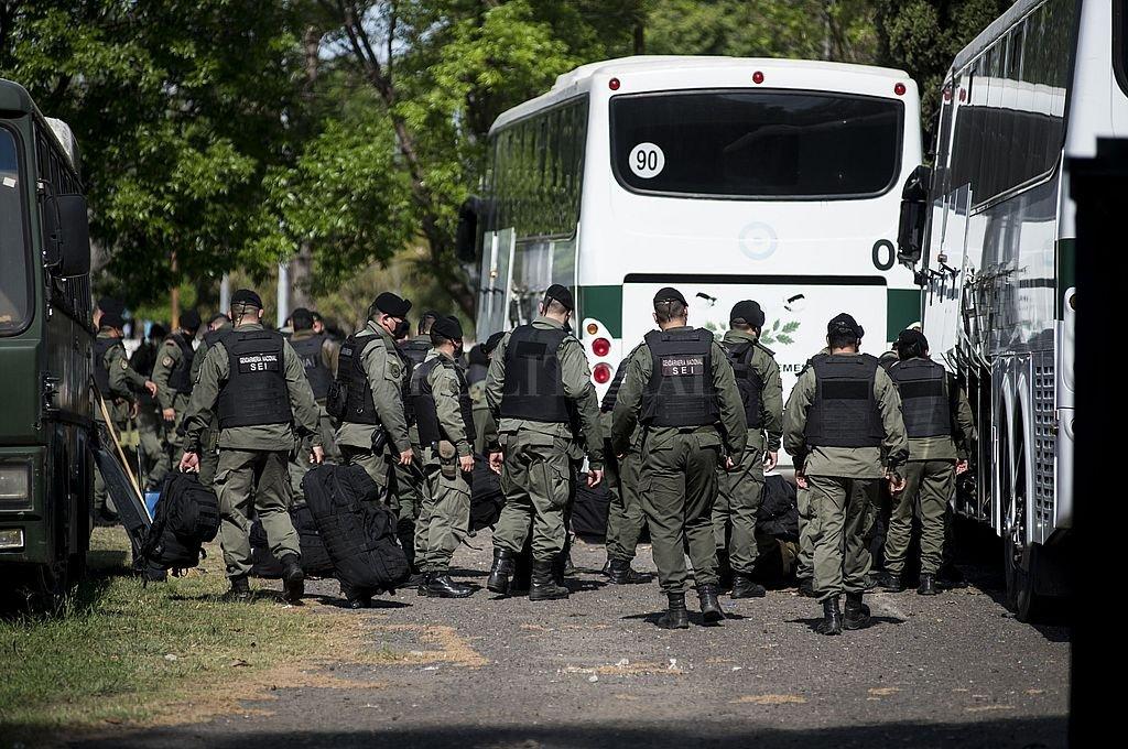 La llegada de las fuerzas federales a Rosario, este jueves en horas del mediodía. Crédito: Marcelo Manera
