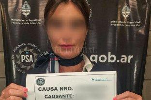 """""""Mula VIP"""": detienen a una azafata que intentó contrabandear 2 kilos de oro y miles de dólares -"""
