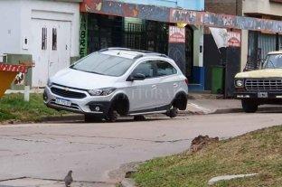 Ciudad de Santa Fe: dejaron sin las cuatro ruedas a un automóvil en mitre al 4500