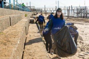Recogieron 900 kilos de residuo en las costas del río Paraná