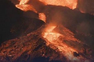 Video: tras cuatro semanas continúa la erupción del volcán Cumbre Vieja