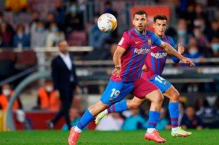 """El """"Kun"""" Agüero hizo su debut oficial en Barcelona"""
