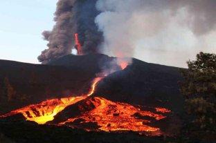 La erupción del volcán de La Palma cumple un mes sin perspectiva de que cese