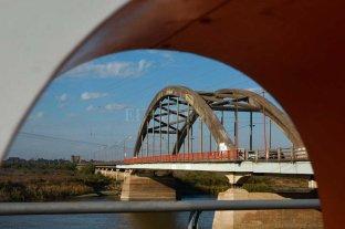Mientras se espera un nuevo puente, el Carretero está sobrecargado de vehículos