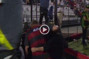 Escándalo en Patronato-Defensa y Justicia: Beccacece gritó un gol y Delfino lo agarró del cuello