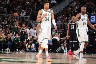 Milwaukee, defensor del título, comenzó con una victoria la temporada NBA