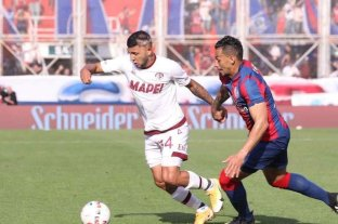 Lanús venció a San Lorenzo en los últimos minutos del partido