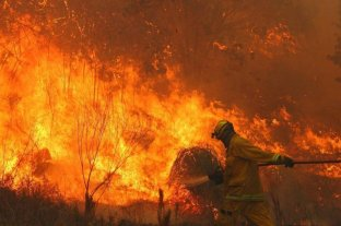 En Córdoba el fuego se acerca a la zona de viviendas
