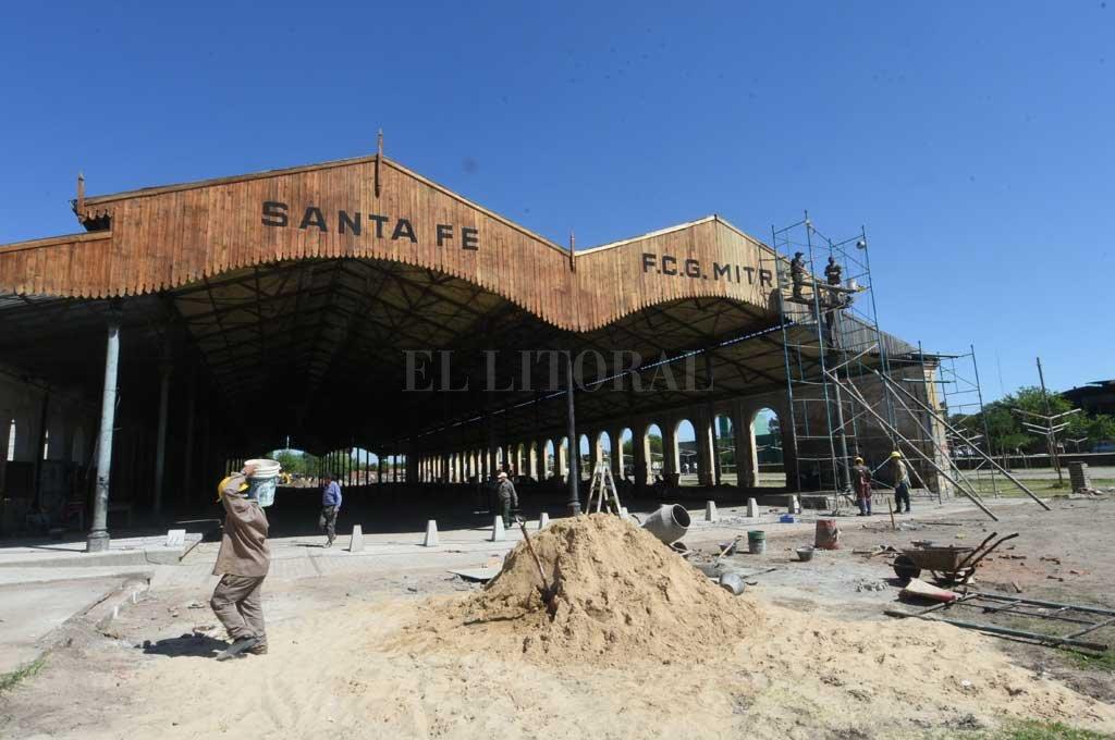 Inauguran obras de restauración en la Estación de FFCC Mitre -  -