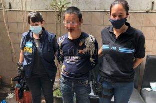 """Detienen a presunto miembro de la """"Mafia China"""" que extorsionaba a comerciantes en Lanús"""