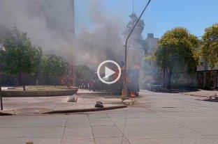 "Video: se incendió un carribar detrás de ""El Molino Fábrica Cultural"" -"