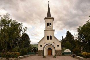 El Bolsón: detuvieron a dos personas que habrían intentado incendiar una Parroquia