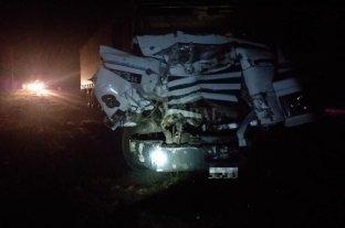 Choque de camiones en Desvío Arijón