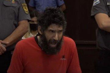 """""""Hombre gato"""": lo desalojaron del juicio en el que está acusado de doble crimen por no parar de maullar"""