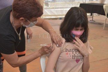 Covid-19: en la ciudad de Santa Fe ya vacunaron al grupo de 12 a 17 años