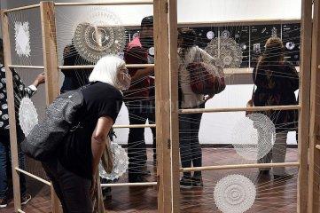 Como los lapachos y las falsas caobas, Santa Fe florece en las artes visuales