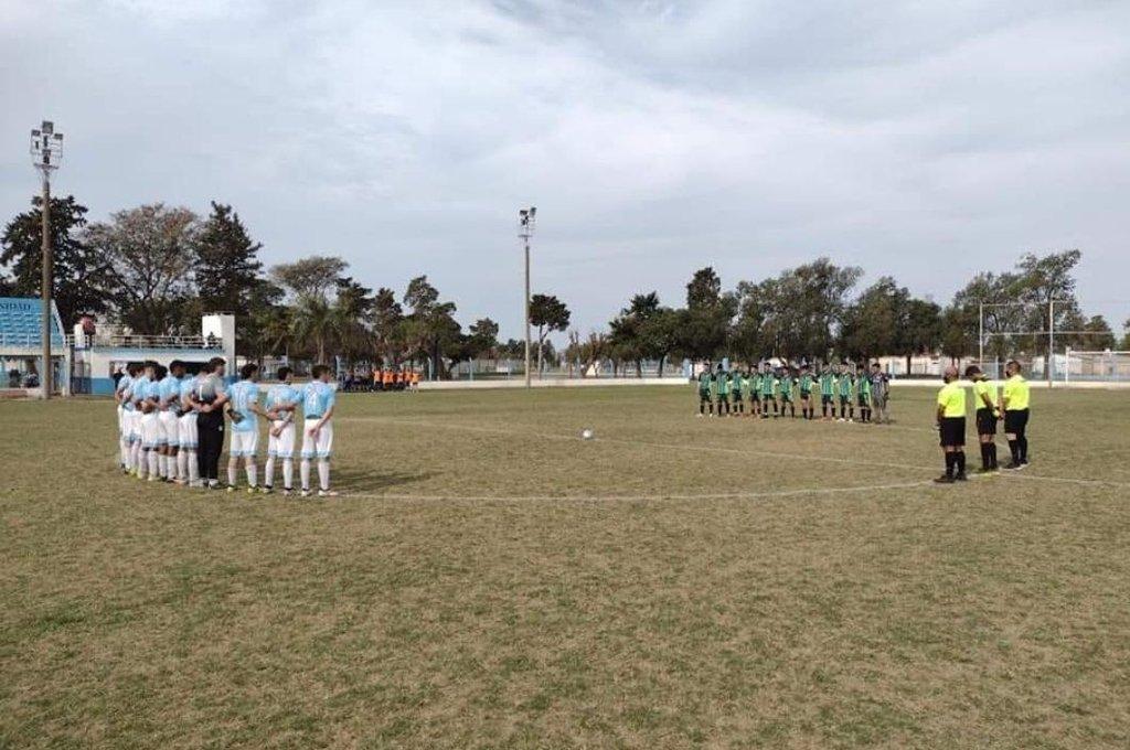 Racismo en el fútbol santafesino: Ferro Dho repudió el accionar de la hinchada