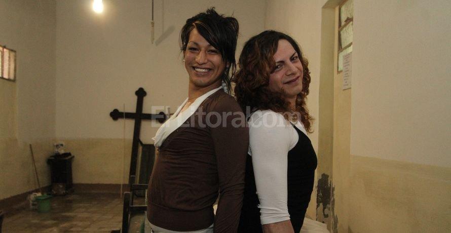 Alddanha y Priscila recibieron a El Litoral en la capilla de la penitenciar�a, que se encuentra en reparaci�n. Guillermo Di Salvatore