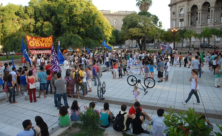 Manifestaci�n en la Plaza de Mayo en la ciudad de Santa Fe. Flavio Raina