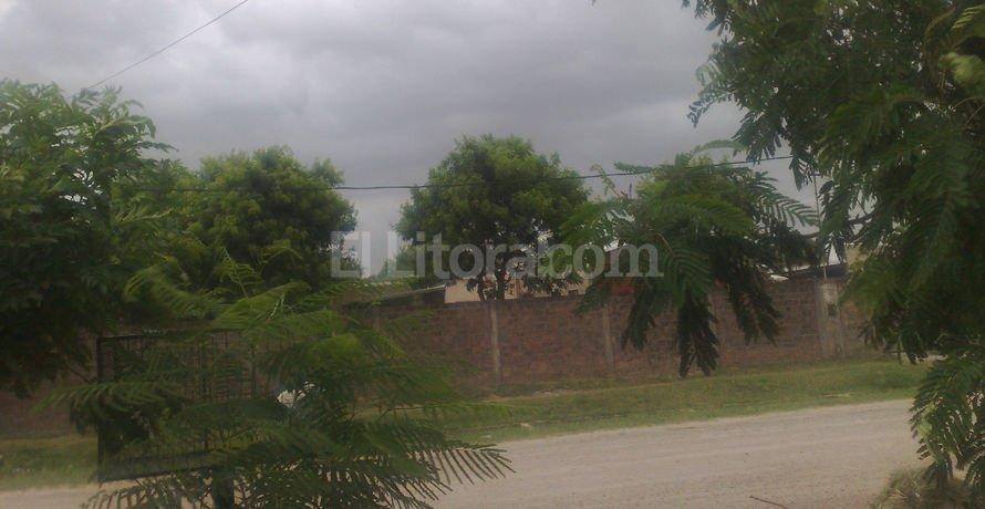 Al mediodía, Tostado seguía padeciendo el impacto de fuertes ráfagas de viento que anticipaban la llegada de la lluvia.  Corresponsalía Tostado