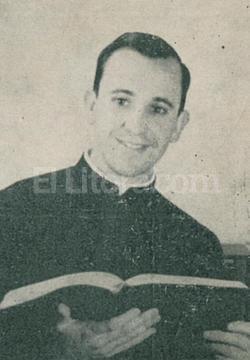 Jorge Bergoglio en 1964, cuando llegó al Colegio de la Inmaculada Concepción. Crédito: Archivo El Litoral
