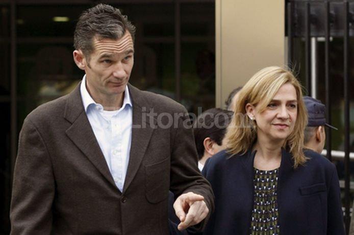 Lejos quedaron los tiempos felices para Cristina y su esposo. El juez instructor, José Castro, la comprometió hoy a declarar el próximo sábado 27 de abril. <strong>Foto:</strong> EFE